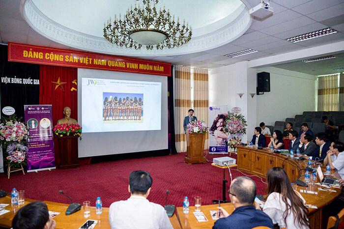 Bác sĩ Tú Dung chia sẻ kinh nghiệm về phẫu thuật nâng mông nội soi công nghệ 4.0