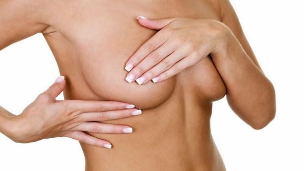 Massage theo công thức cũng là một trong những cách giúp làm tăng kích thước bầu ngực.
