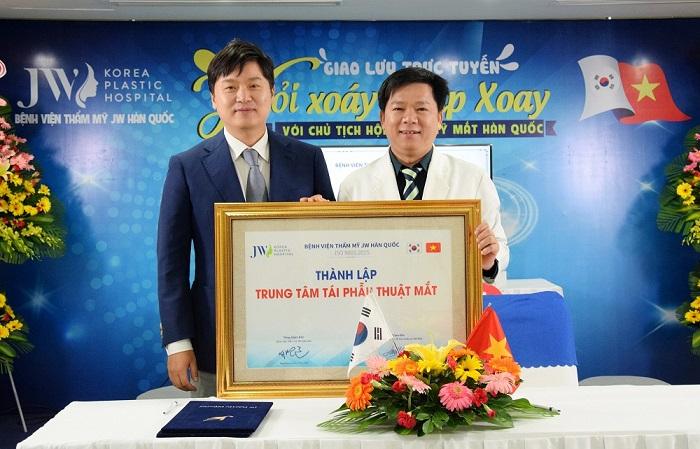 JW là thương hiệu đầu tiên tại Việt Nam chính thức thành lập chuyên khoa tái phẫu thuật mắt