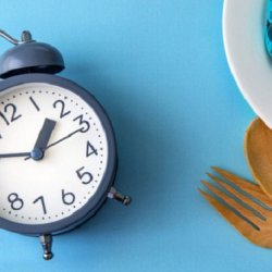 Ăn tối lúc 2h chiều: Bí quyết giảm cân không phải ai cũng biết