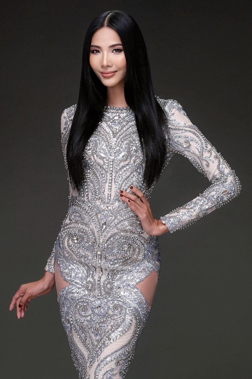 Top 10 mỹ nhân có vòng eo nhỏ nhất Việt Nam - Hoàng Thuỳ