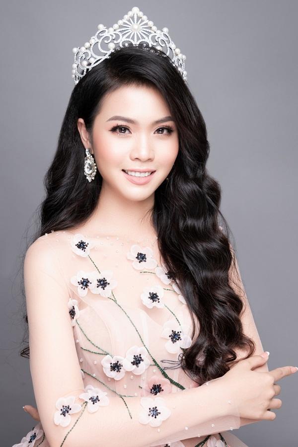 Kim Ngọc - Sao Việt phẫu thuật thẩm mỹ