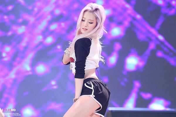 Top mỹ nhân sở hữu vòng 3 đẹp nhất Hàn Quốc - Nari