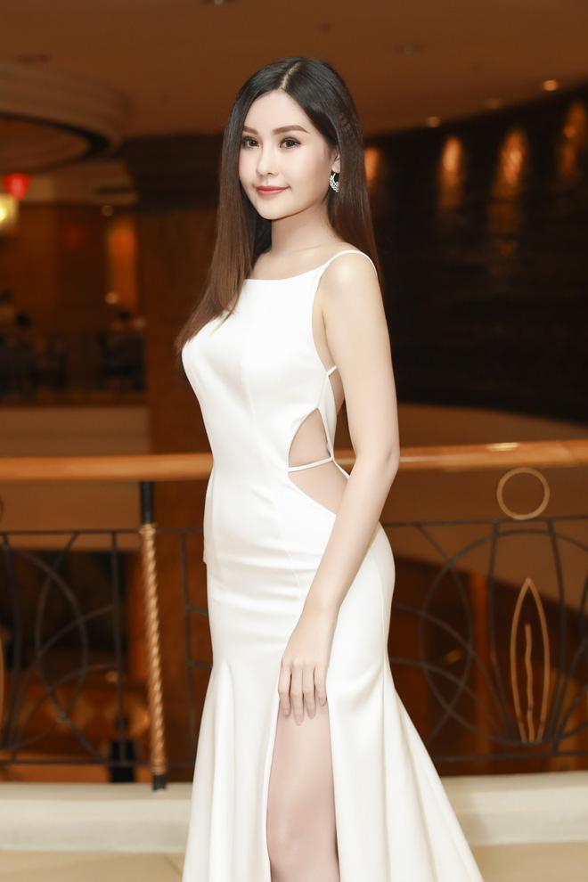 Top 10 mỹ nhân có vòng eo nhỏ nhất Việt Nam - Lê Âu Ngân Anh