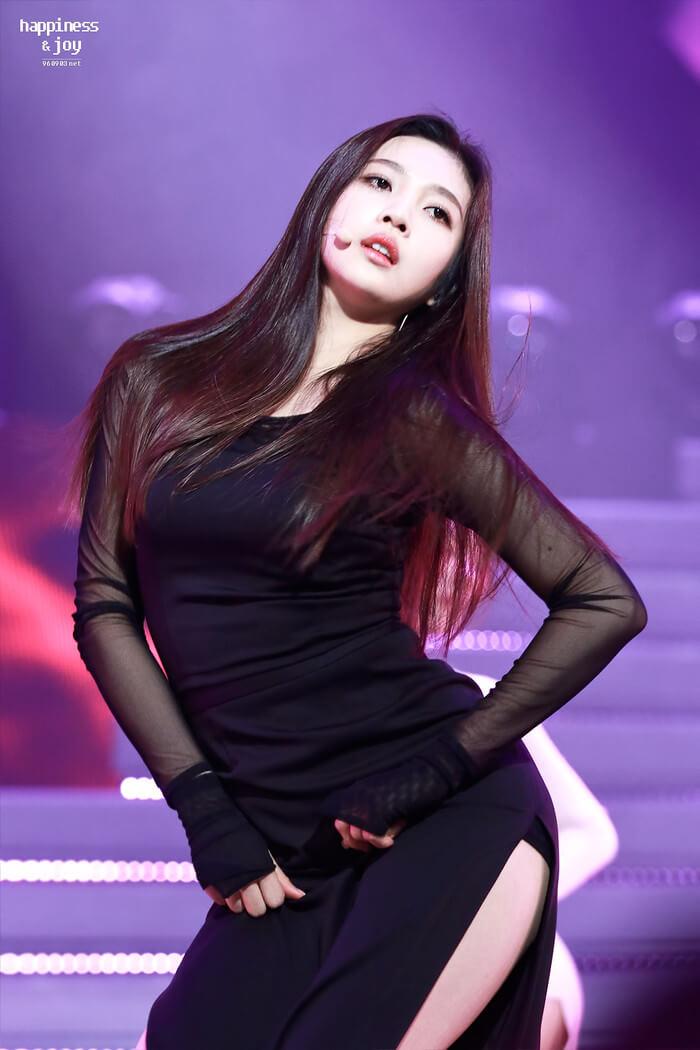 Những idol ngực khủng của Kpop