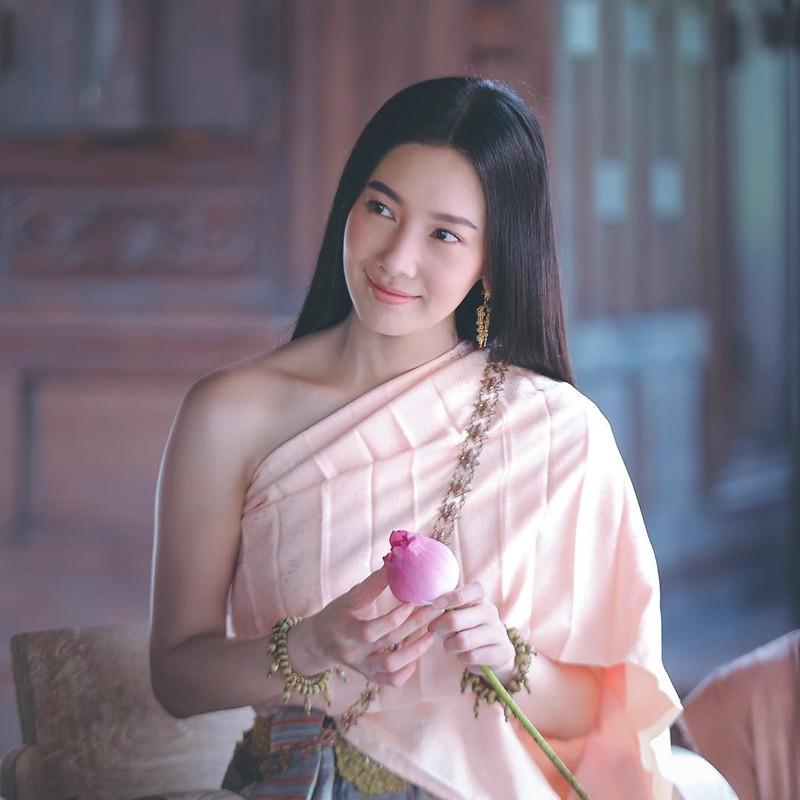 Vòng 1 đẹp nhật Thái Lan - Nune Woeanuch