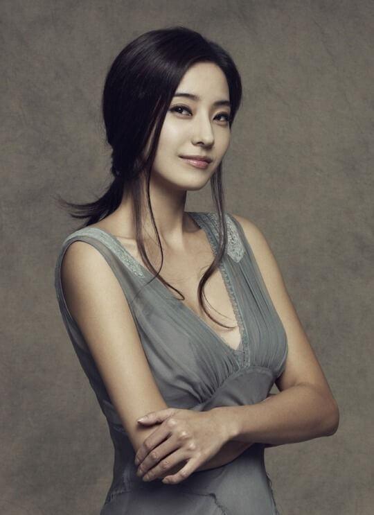 Sao Hàn phẫu thuật thẩm mỹ - Han Chae Young