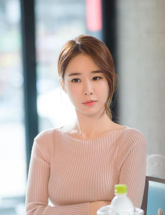 Sao Hàn phẫu thuật thẩm mỹ thành công - Yoo In Na