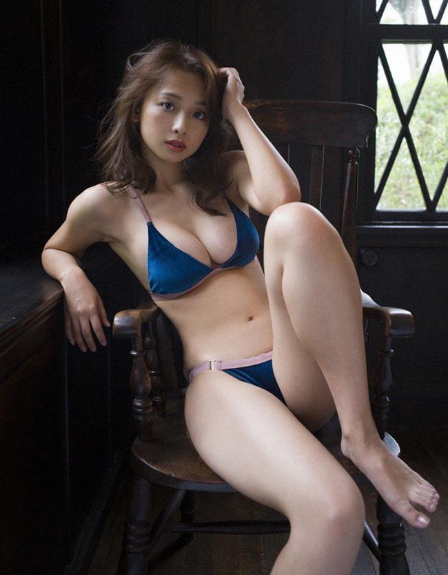vòng 3 đẹp nhất Nhật Bản - Moemi Katayama