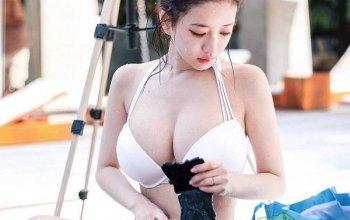 Vẻ đẹp của Yuki được ví như một cô búp bê đầy nóng bỏng.