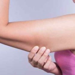 Hút mỡ bắp tay có nguy hiểm không?