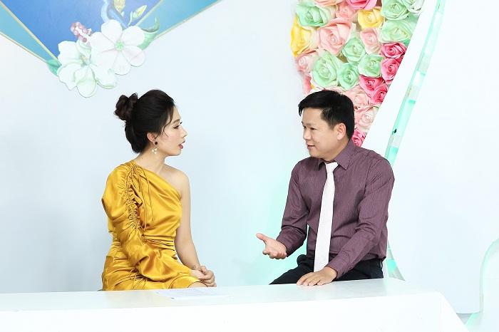 """Lâm Khánh Chi """"suýt xoa"""" trước body gợi cảm của Mỹ nhân chuyển giới Thoại Vy_4"""