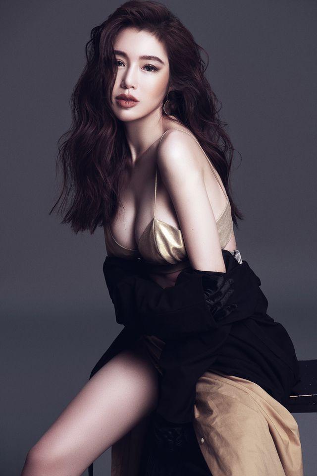 Top 8 bộ ngực đẹp nhất Showbiz Việt_5