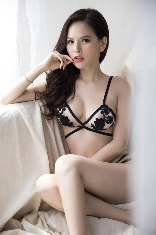 Top 8 bộ ngực đẹp nhất Showbiz Việt_8