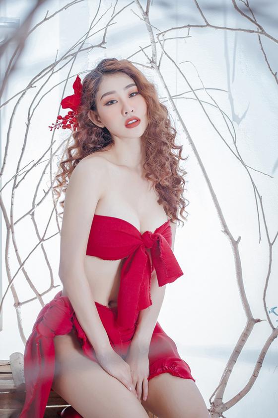 Top 10 mỹ nhân sở hữu bầu ngực khủng của Showbiz Việt_18