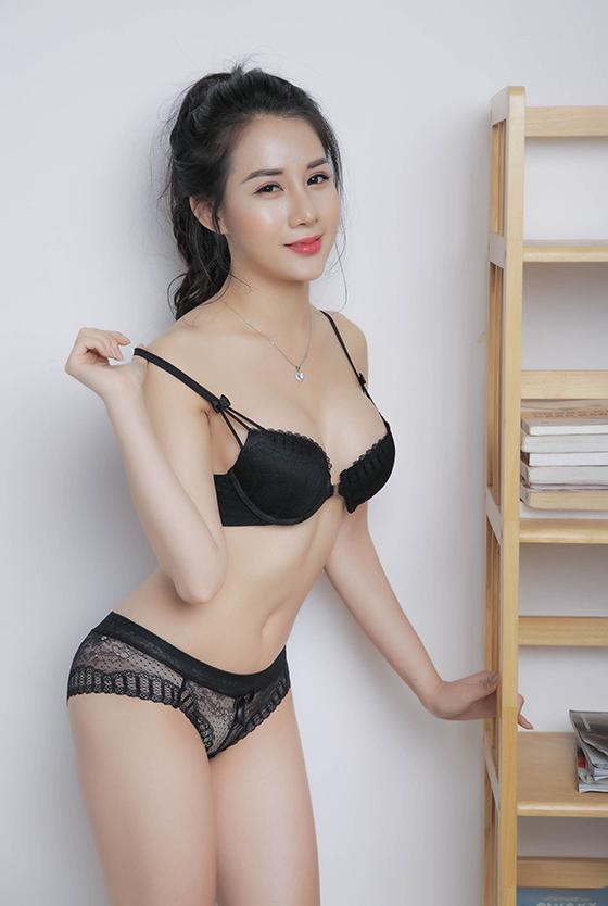Top 10 mỹ nhân sở hữu bầu ngực khủng của Showbiz Việt_20