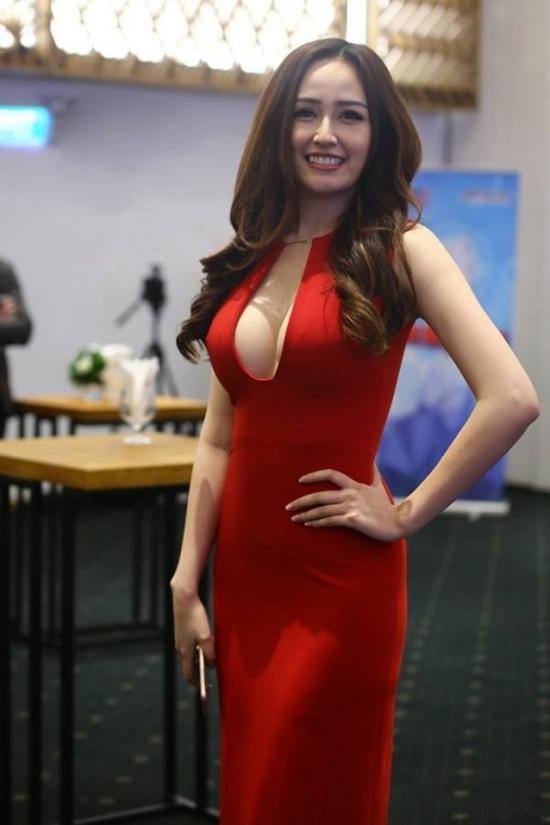 Top 10 mỹ nhân sở hữu bầu ngực khủng của Showbiz Việt_2