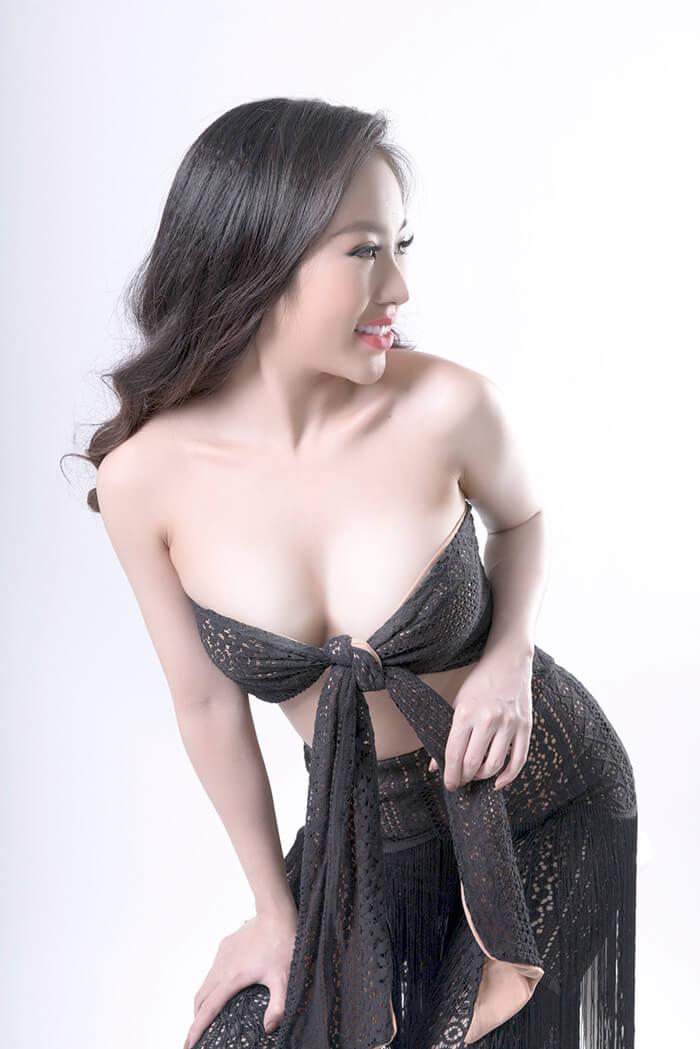 Top 10 mỹ nhân sở hữu bầu ngực khủng của Showbiz Việt_5
