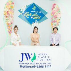 Hoa hậu Gia Hòa ngạc nhiên vì cô gái gốc Việt giống hệt người Hàn sau nâng mũi