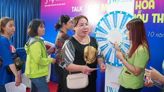 https://thammyhanquoc.vn/su-kien-tai-phau-thuat-mui-thu-hut-hang-tram-tin-do-lam-dep-12