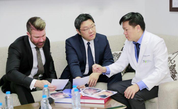 https://thammyhanquoc.vn/su-kien-tai-phau-thuat-mui-thu-hut-hang-tram-tin-do-lam-dep-3