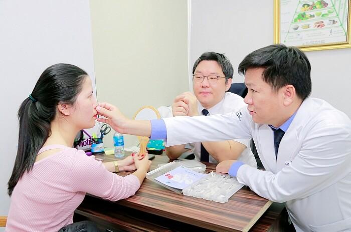 https://thammyhanquoc.vn/su-kien-tai-phau-thuat-mui-thu-hut-hang-tram-tin-do-lam-dep-13
