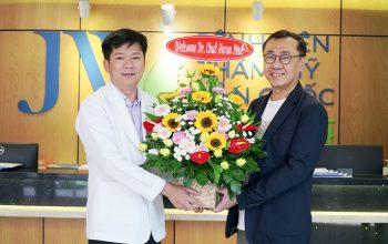 24h Theo chân bậc thầy cấy mỡ Chul Hwan Seul làm đẹp cho tín đồ Việt