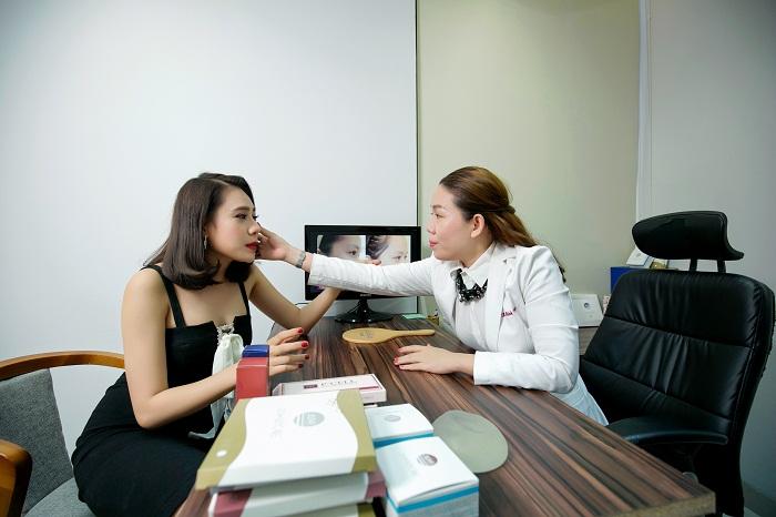 Giải đáp thắc mắc: Xăm môi có đau không?_5