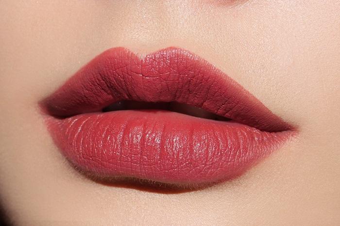 phun môi thẩm mỹ cho đôi môi