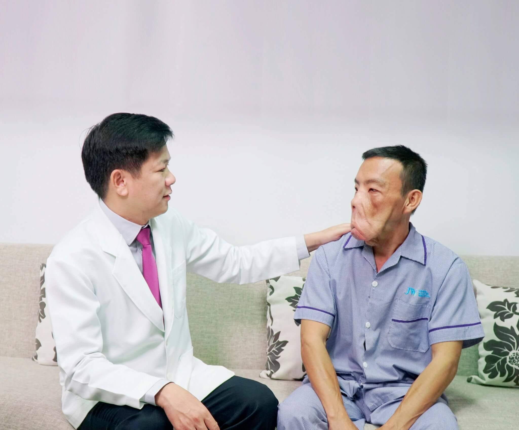 Anh Mến và bác sĩ Tú Dung