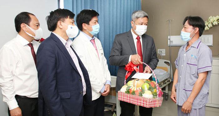Anh Mến, Bác sĩ Tú Dung, Phẫu thuật thẩm mỹ, bệnh viện thẩm mỹ