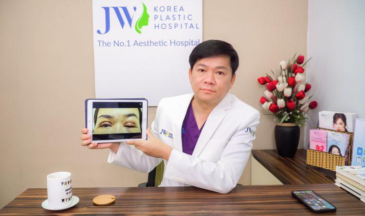 Bác sĩ Tú Dung livestream