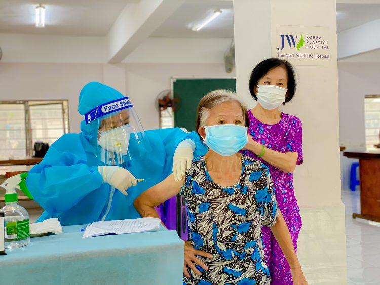 Chien-si-JW-tiem-vaccine