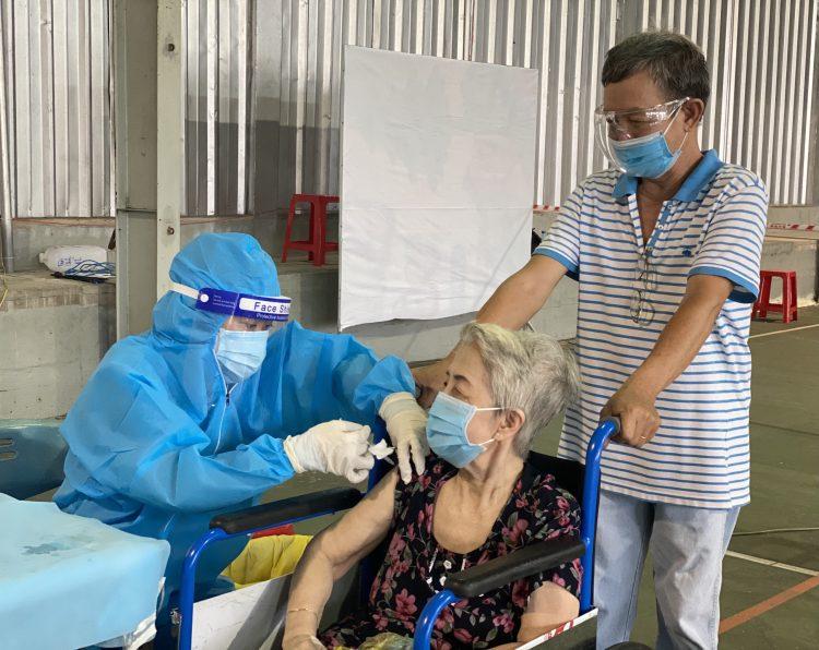 tiem-vaccine-6