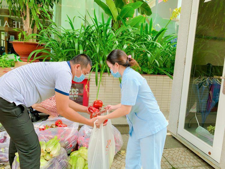 Nhân viên Bệnh viện JW